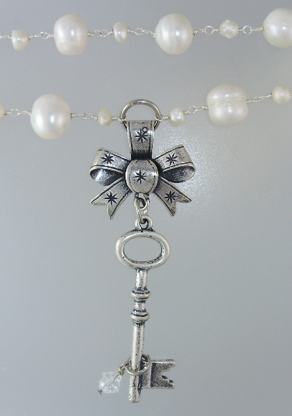 Large ART NOUVEAU Style Sterling Silver-plate BOW Skeleton KEY Medal Freshwater PEARLS NECKLACE Crystal-36pt-p49-76