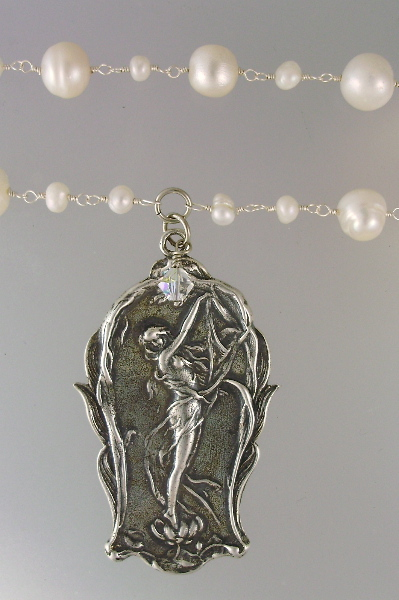 Large ART NOUVEAU Style Silver Woman Medal Freshwater PEARLS NECKLACE Crystal-36pt-p57