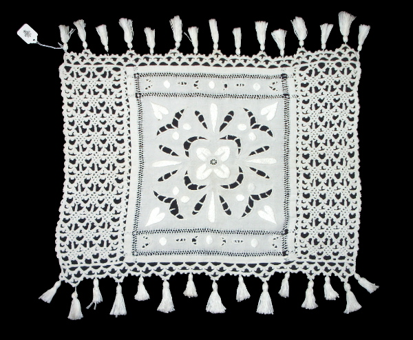 Antique FRENCH CROCHET LACE Linen CUTWORK Runner Dresser Topper TASSELS Hearts -L-sqt