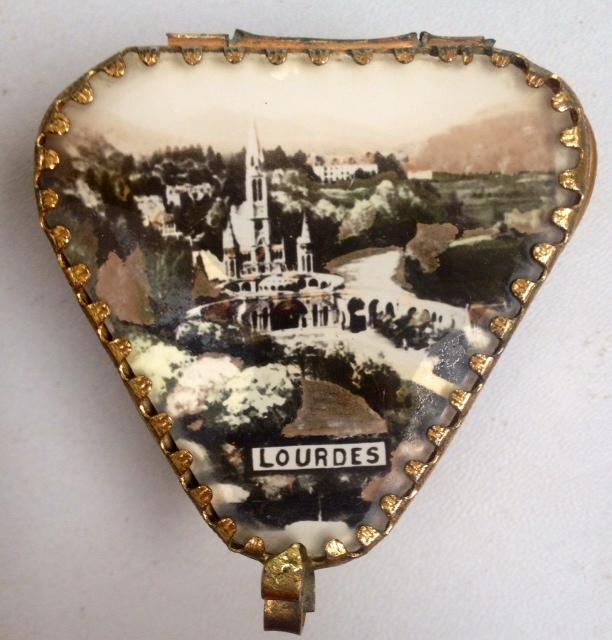 LOURDES Religious Antique FRENCH Scenic Glass Rosary JEWEL CASK Jewelry BOX-b-lou