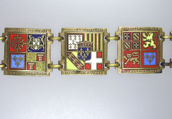 Antique PROVINCES Regions of France Souvenir Link Enamel CHARM BRACELET-b-souprv