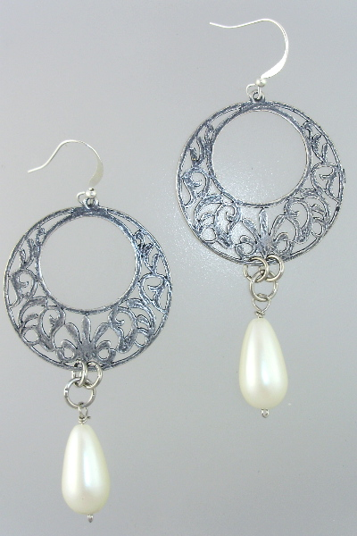 French GYPSY STERLING Silverplated Filigree Pierced EARRINGS PEARL Drop-e-gyp