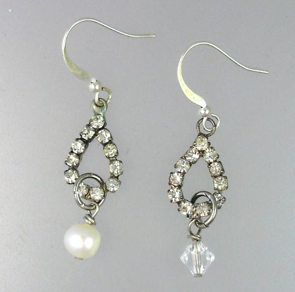 RHINESTONE Pierced EARRINGS Crystal or PEARL Drops-e-tear
