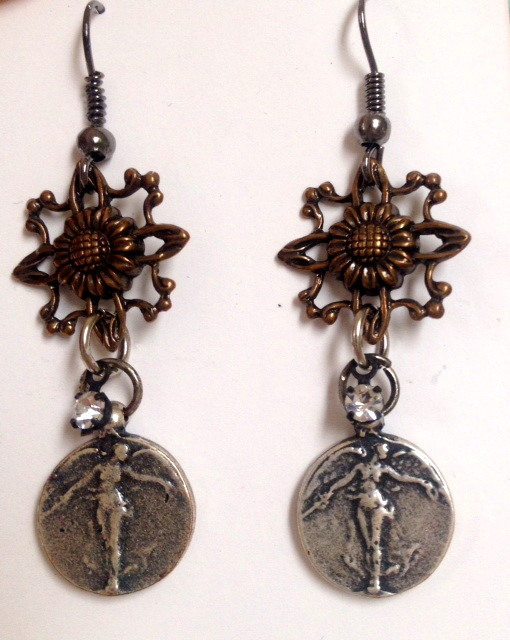Antique Style Silver VICTORY ANGEL WWI Medal Bronze Filigree Pierced EARRINGS-e-vafil