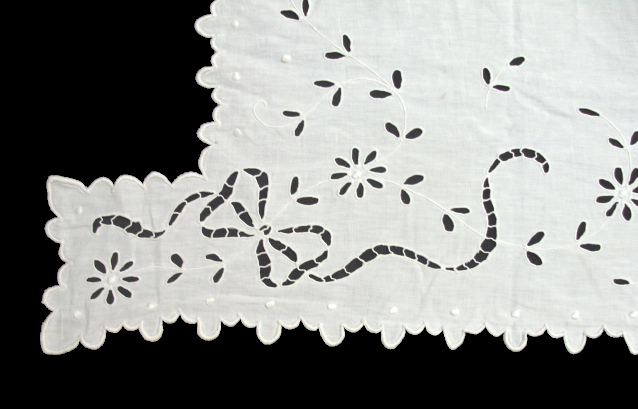 Antique C1890 FRENCH Embroidered CUTWORK LACE Runner -gmant