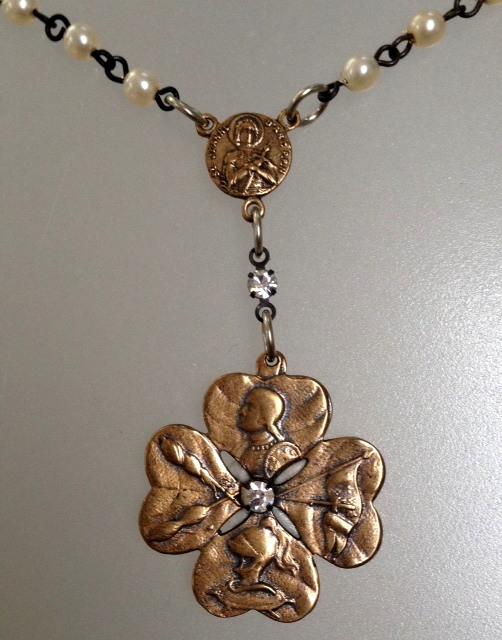 PEARL NECKLACE Bronze Saint JOAN of ARC Charm 4 Leaf CLOVER Crystals-n-2jabrz