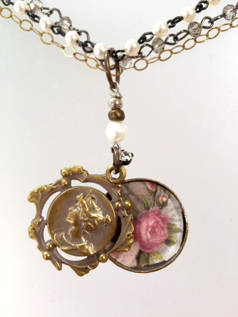 Antique FRENCH Art Nouveau MAIDEN Repousse PHOTO Locket Pendant Necklace ROSES-n-anmm