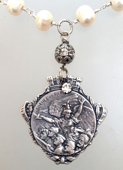 FRENCH WWI Patriotic Fundraising Medal Journee de PARIS Pearl Necklace ANGEL-n-barg