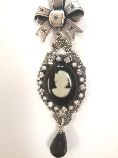 Antique Italian Mother of PEARL CAMEO Crystal Beads BOW Rhinestones PEARLS Necklace-n-blkcam
