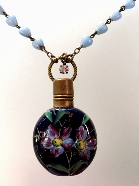 MOSER Antique CHATELAINE Enamel Painted FLORAL GLASS PERFUME BOTTLE Vinaigrette PendantHEART Bead Necklace-n-bluprf