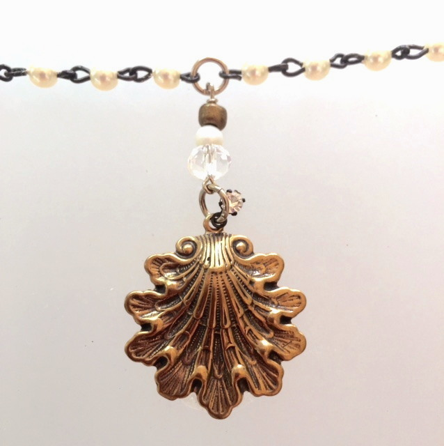 Pearl Necklace with Rhinestone Bronze SEASHELL-n-bzshell