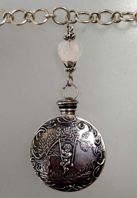 CHERUBS ANGELS Antique English Sterling SILVER Repousse PERFUME Pendant Necklace Silver Chain-n-cherswg