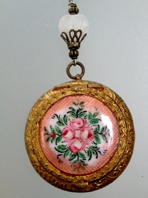 ANTIQUE Art Nouveau French GUILLOCHE Enamel REPOUSSE COMPACT ROSES Original MIRROR PENDANT Necklace HEART Filigree Beads-n-cmprose