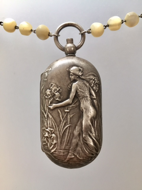 Antique FRENCH Art Nouveau MAIDEN Repousse COIN Purse Locket Pendant Necklace IRIS-n-coinan