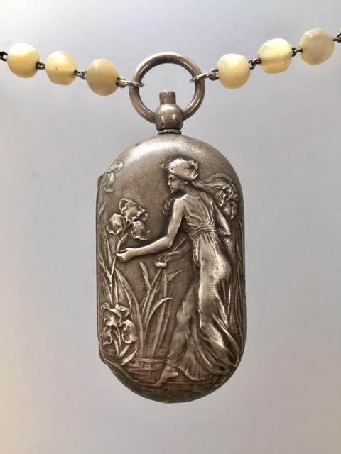 Antique FRENCH Art Nouveau MAIDEN Repousse COIN Purse Locket Pendant Necklace IRIS-n-coinan