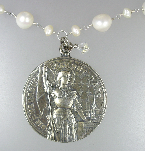 Antique Style FRENCH Saint JOAN of ARC STERLING Silver Medal on Genuine White Freshwater PEARLS NECKLACE SWAROVSKI Crystal-n-lja