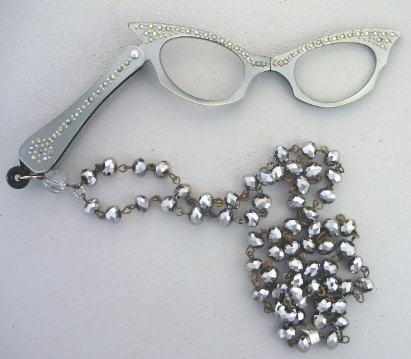 Antique VINTAGE 1950s SILVER Catseye LORGNETTE Folding Glasses RHINESTONES Pendant NECKLACE CRYSTAL Beads-n-lorslv