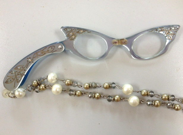 Vintage 1950s Pearl BLUE CATSEYE LORGNETTE Folding EYEGlasses Pendant NECKLACE Crystal/Pearl Necklace-n-lrgblu