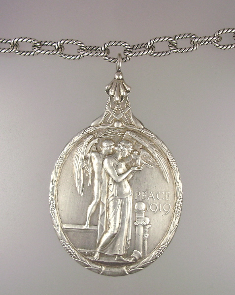 Large ANTIQUE Style SILVER 1919 PEACE MEDAL w ANGELS Masonic Etched Chain NECKLACE-n-mas