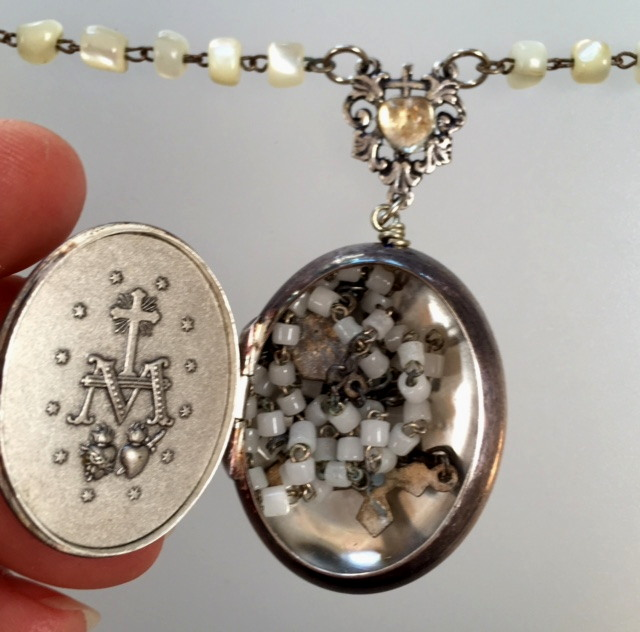 Religious ANTIQUE French MIRACULOUS MARY Repousee ROSARY Box MOTHER of PEARL BEADS Pendant NECKLACE-n-mmbx