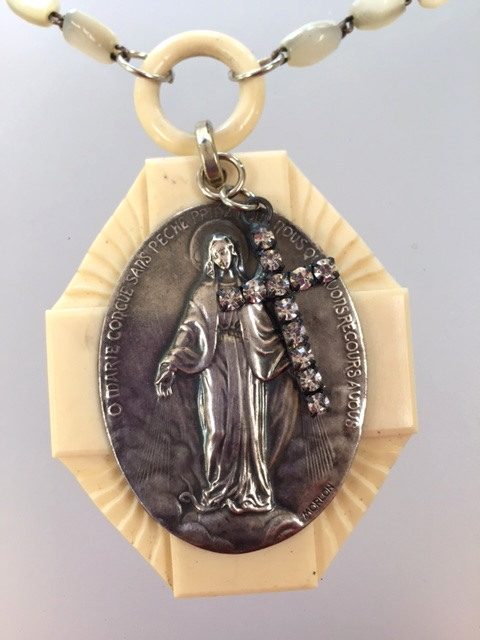Religious ANTIQUE French Ivory MIRACULOUS MARY Crib Medal PENDANT Rosary Necklace SACRED HEARTS-n-mmcrb