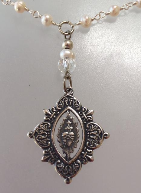 PARIS Silver SACRED HEART Charm Freshwater PEARL Necklace FLEUR De LIS n-nwbsh
