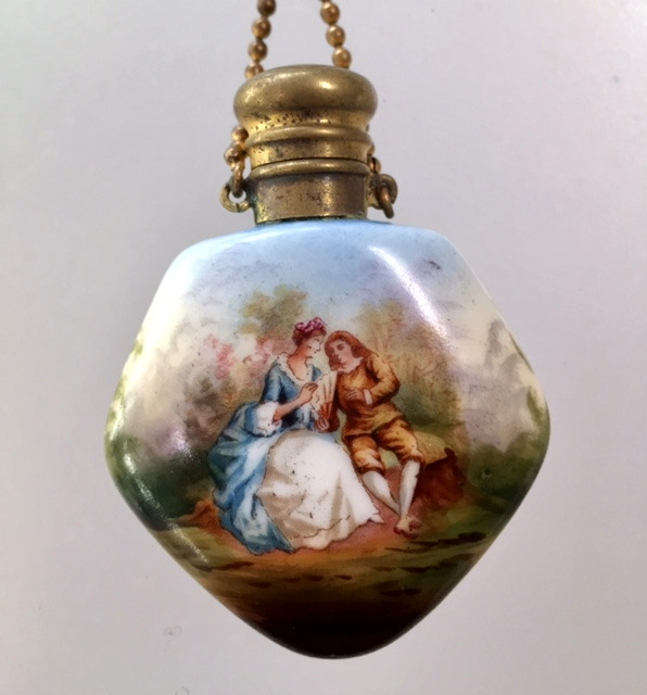 FRENCH Antique Painted Porcelain Romantic LOVERSPerfume Bottle VINAIGRETTE Necklace -n-perfhp