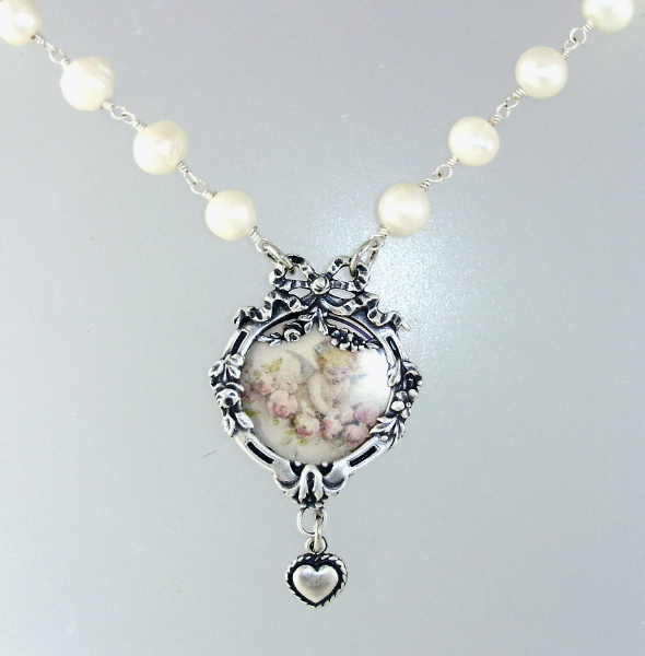 FRENCH  ANGEL Photo LOCKET NECKLACE Pendant HEART PEARLS- n-ptoang