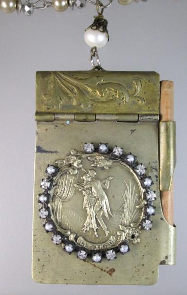 LE TANGO Antique Art Nouveau Carnet be Bal Aide MEMOIRE Repousse Souvenir NOTEBOOK Necklace-N-tango