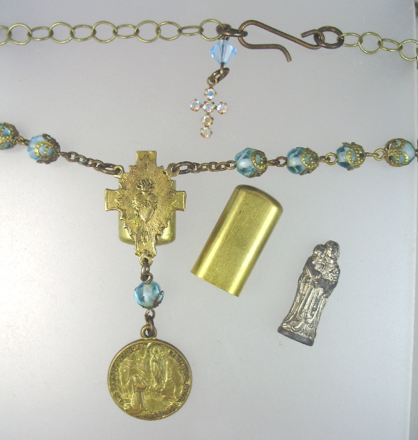 Antique French VIRGIN MARY Baby JESUS Pocket SHRINE Figure PENDANT ROSARY Bead Necklace Rhinestone CROSS-n-tqpkt