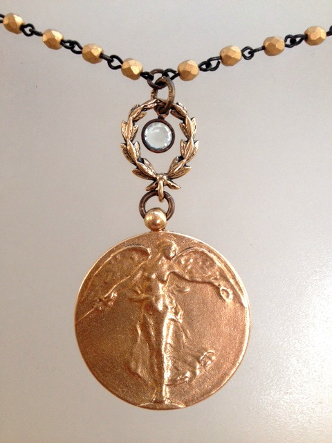 BRONZE VICTORY ANGEL WWI Paul Dubois Medal Necklace LAUREL Wreath-n-vctbrz