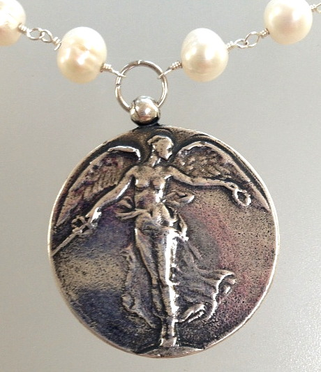 Antique Style Silver Large VICTORY ANGEL WWI Medal Paul Dubois Pendant Freshwater Pearl NECKLACE-n-vict