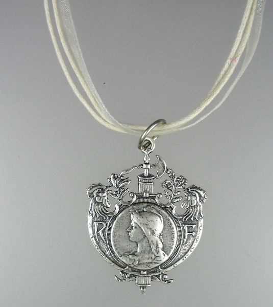 Silver FRENCH Liberty Symbol MARIANNE Charm Pendant PEARL Crystal Necklace-n-martp